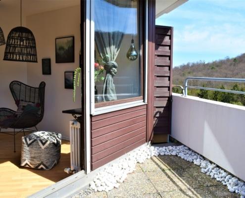 549 - Einzimmerwohnung mit sehr großer Dachterrasse in Stuttgart-Botnang - Heckenlau Immobilien - Makler für den Verkauf von Wohnimmobilien in Stuttgart