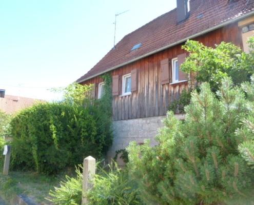 537 - Charmantes Zweifamilienhaus mit großem Garten in Rudersberg/Schlechtbach - Heckenlau Immobilien - Makler für den Verkauf von Wohnimmobilien in Stuttgart