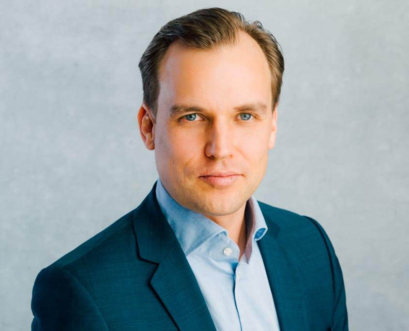 Nitay Trampler, Geschäftsführer Heckenlau Immobilien e.K., Makler für den Verkauf von Wohnimmobilien in Stuttgart